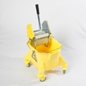 smoothline_kentucky_mop_bucket_with_medium_size_heavy_duty_steel_geared_cm1220_wringer_yellow