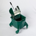 smoothline_kentucky_mop_bucket_with_large_heavy_duty_steel_geared_cm1624_wringer_green