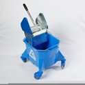 smoothline_kentucky_mop_bucket_with_large_heavy_duty_steel_geared_cm1624_wringer_blue